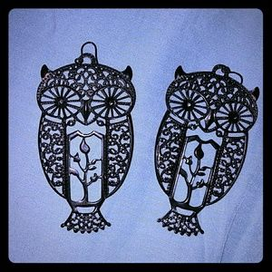 🆕*Intricate Black Metal Owl Earrings*🆕